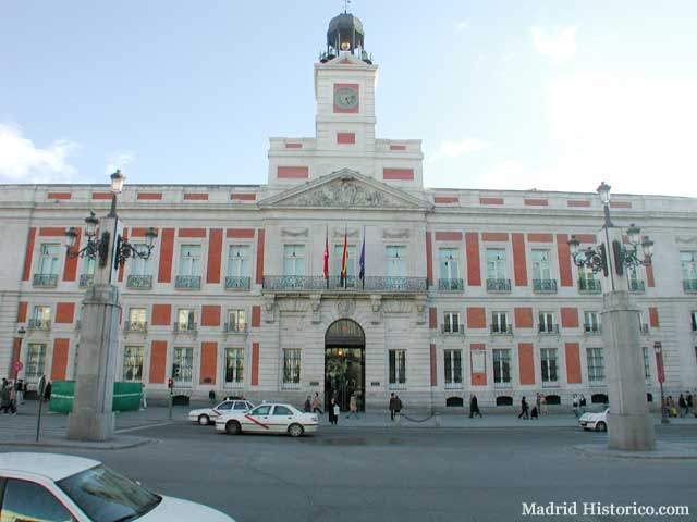 Real casa de correos sede de la comunidad de madrid for La real casa de correos
